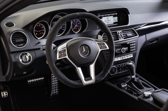 2014 Mercedes C63 AMG Edition 507 steering wheel