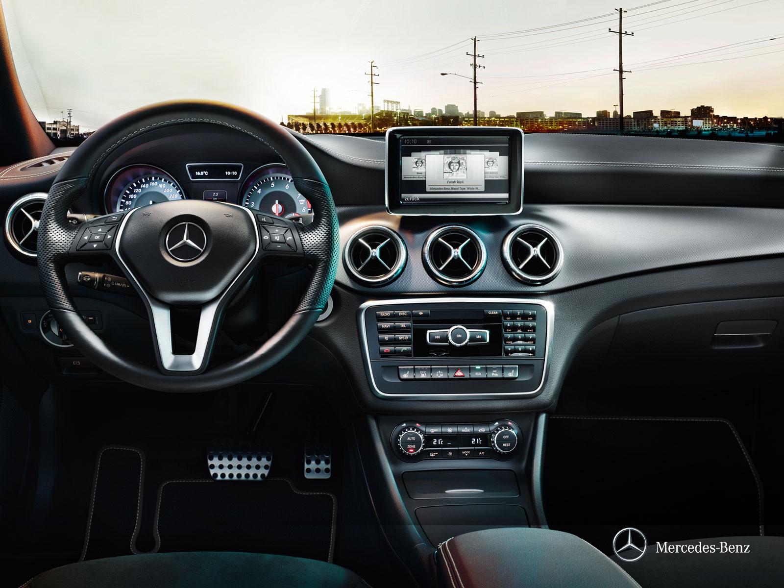 Mercedes-CLA45-AMG-Interior-5