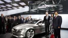 Mercedes-Concept-Style-Coupe-12C427_088