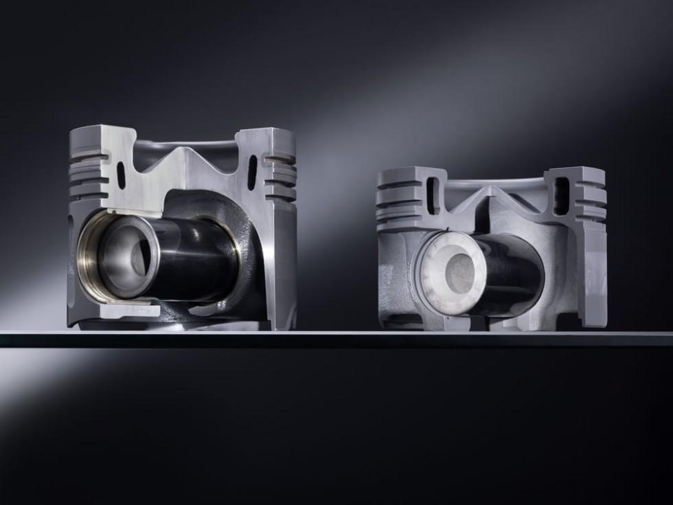 Aluminium piston (left) the new steel piston (right)