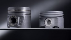 Aluminium piston (left) the new steel piston (right)