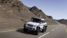 Mercedes-g63-amg-6x6-armored-13C215_013