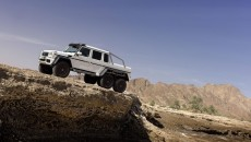 Mercedes-g63-amg-6x6-armored-13C215_017