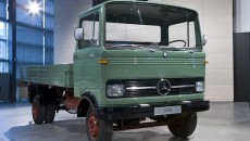 The LP 608, a forward control truck with a Pullman cab which was the first model to leave the production lines of the newly completed Mercedes-Benz plant in Wörth in 1965. These light trucks from Wörth were a common sight on the roads right up to the early 1980s.