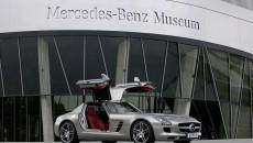 Mercedes_Benz_Museum-09C946_001