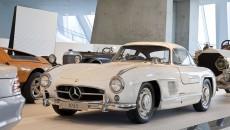 Mercedes_Benz_Museum-10C440_011
