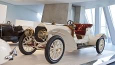 Mercedes_Benz_Museum-10C440_012