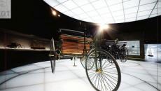 Mercedes_Benz_Museum-10C953_01