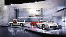 Mercedes_Benz_Museum-10C953_02