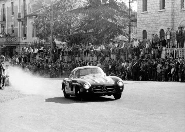 Mille Miglia, Brescia in Italy, 1 May 1955. Winners in the production sports car class: John Cooper Fitch and Kurt Gesell (start number 417) in a Mercedes-Benz Type 300 SL (W 198) touring sports car