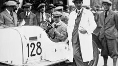 Mille Miglia, Brescia in Italy, 12 to 13 April 1930. Mercedes-Benz SSK (model series W 06) during the inspection. The winning team of Rudolf Caracciola / Christian Werner (on the right, beside the car) with the start number 128 won the class for cars with an engine displacement of up to 8 litres.
