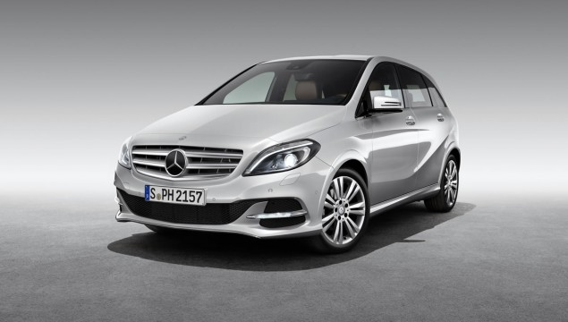 Environmentally Friendly Mercedes B200 Natural Gas Drive Debuts In Paris