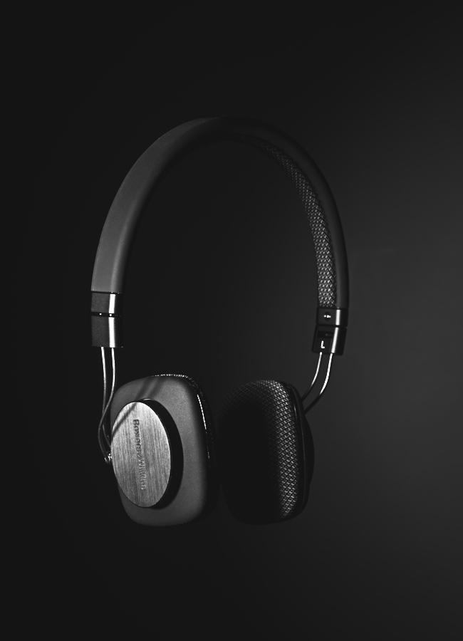 Bowers & Wilkins P3 Headphones 8