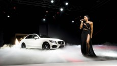 The world-famous American pop singer Kelly Rowland delighted the audience at the presentation of the C-Class in Detroit
