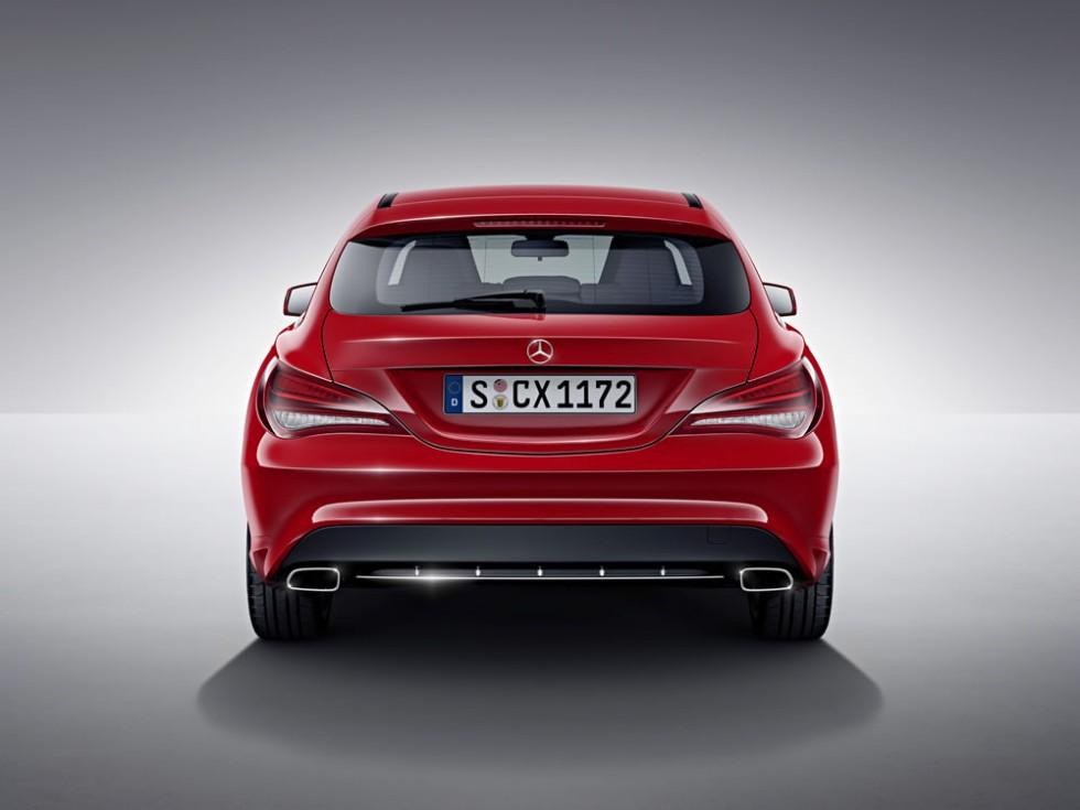 Mercedes-Benz CLA Shooting Brake, jupiter red, studio