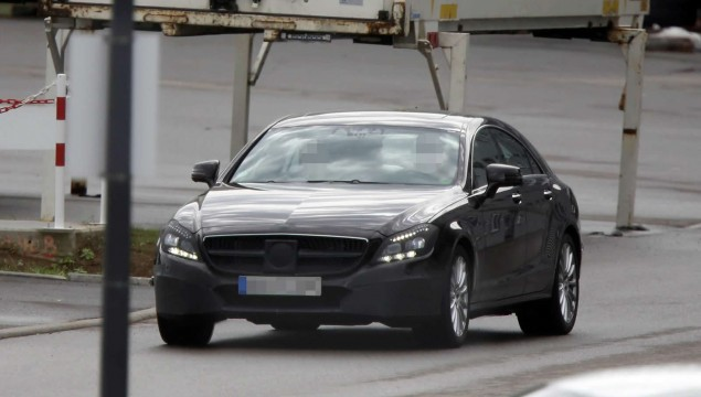 Mercedes CLS Coupe Spy Photo