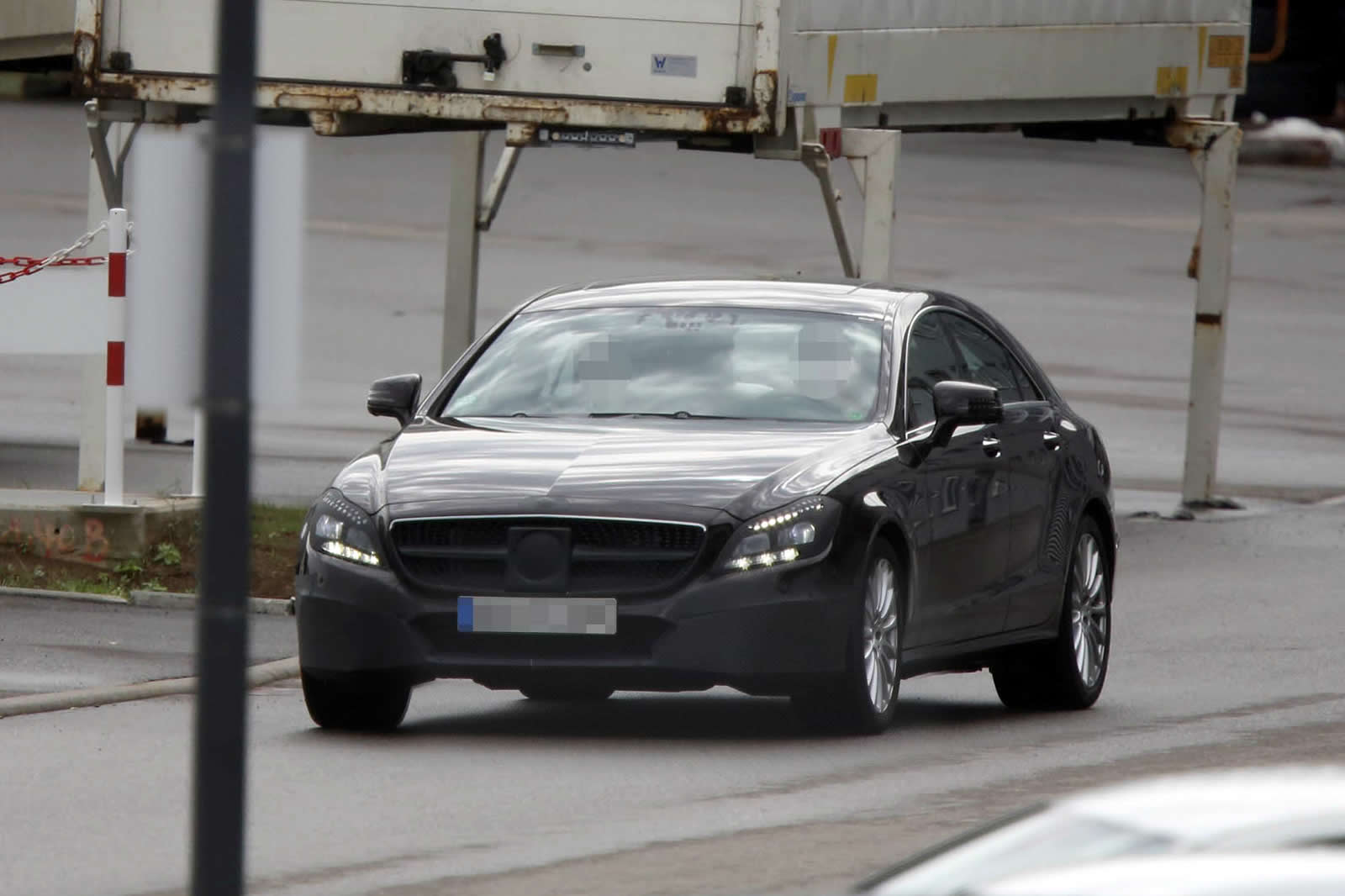 Mercedes CLS Coupe Spy Photo 2