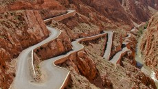 Known as the Road of a thousand Kasbahs, Dades Gorges runs 100 miles from Ouarzazate to Tineghir and the Todra Gorge. A sealed road runs for 39 miles through the Gorge as far as Msemrir and from that poing four-wheel-drive is a must.