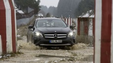 Mercedes-Benz GLA Off-Road Water Testing