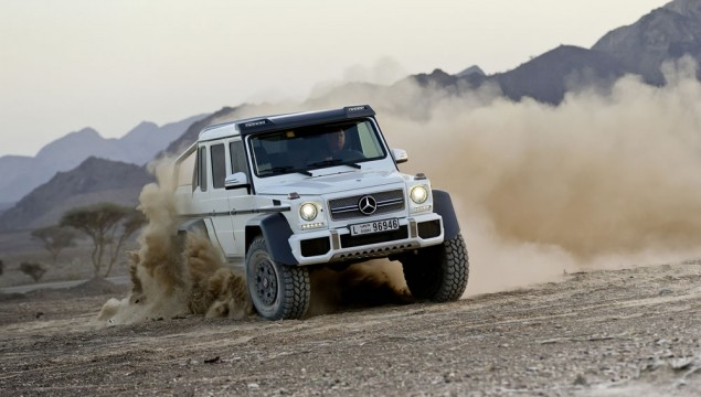 Mercedes G63 6×6 AMG Keeps Up With Supercars on the Track