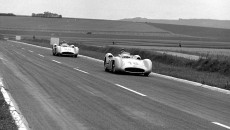 French Grand Prix in Reims, July 4, 1954. Double victory for Mercedes-Benz with Juan Manuel Fangio (start number 18) ahead of Karl Kling (start number 20), both driving Mercedes-Benz W 196 R Formula One racing cars with streamlined bodywork; these two drivers took the lead right from the start.