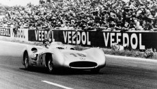 French Grand Prix in Reims, July 4, 1954. The winner, Juan Manuel Fangio (start number 18), at the wheel of the Mercedes-Benz W 196 R Formula One racing car with streamlined bodywork.