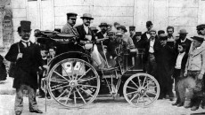 The world's first automobile race on July 22, 1894. The photo shows the car of Alfred Vacheron in the reliability trial between Paris and Rouen.