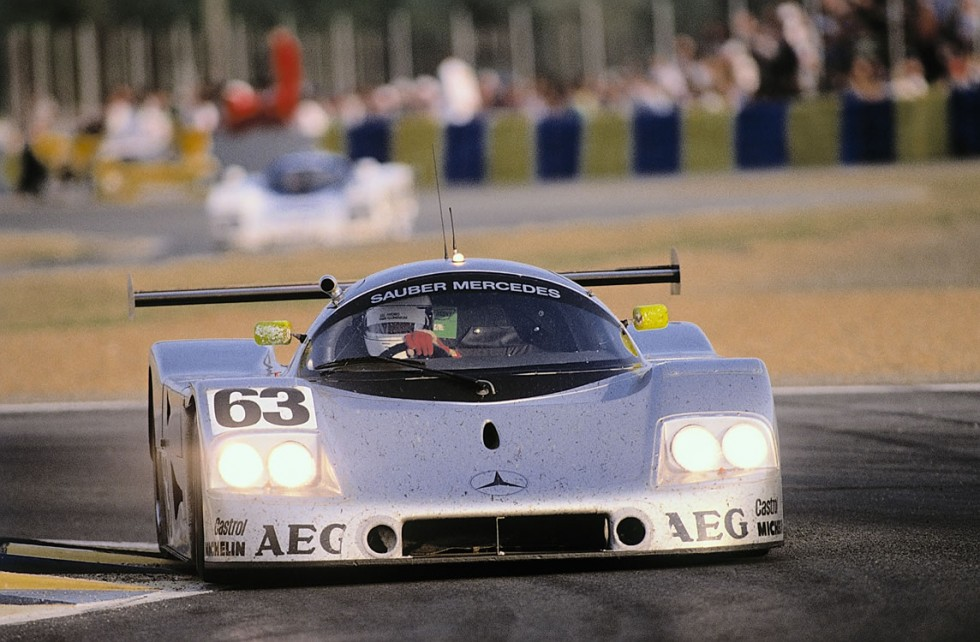The heat of success: the Sauber-Mercedes C9 with the classic Silver Arrows paintwork on course for victory in 1989.