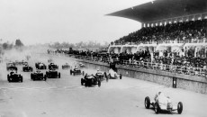 Tripolis Grand Prix, Mellaha, May 12, 1935. Luigi Fagioli, who finished in third place, with start number 10 and Rudolf Caracciola (start number 26), who was to win the race, both in Mercedes-Benz W 25.