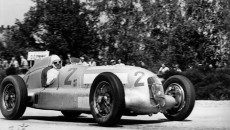 French Grand Prix in Montlhéry, June 23, 1935. The winner Rudolf Caracciola in a Mercedes-Benz formula racing car W 25. Manfrd von Brauchitsch finished in second place.