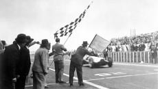French Grand Prix, July 3, 1938: Triple victory for the Mercedes-Benz W 154 racing cars (Manfred von Brauchitsch – Rudolf Caracciola – Hermann Lang).