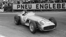 Belgian Grand Prix in Spa-Francorchamps, June 5, 1955: Winner Juan Manuel Fangio at the wheel of the open-wheel Mercedes-Benz W 196 R with start number 10.