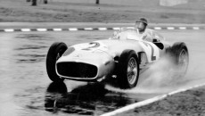 Grand Prix of Buenos Aires 1955: Juan Manuel Fangio at the wheel of a Mercedes-Benz W 196. In this race, the Grand Prix car was powered by the engine from the 300 SLR.
