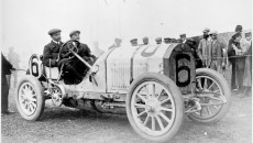 French Grand Prix near Dieppe, July 7, 1908: Victor Hémery (start number 6) finishes runner-up in a Benz 120 hp Grand Prix racing car.