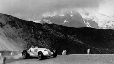 Großglockner mountain race, 6 August 1939. The eventual victor, Hermann Lang (starting number 128), with a Mercedes-Benz W 125 mountain racing car with a 5.6-litre engine.