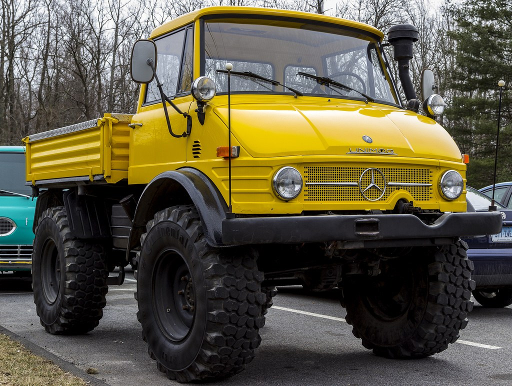 mercedes-benz-yellow-monster-truck