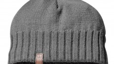 Men's knitted hat in anthracite made from 100% wool with leather badge, embossed with star logo. Item number B66952248. 29.90 €