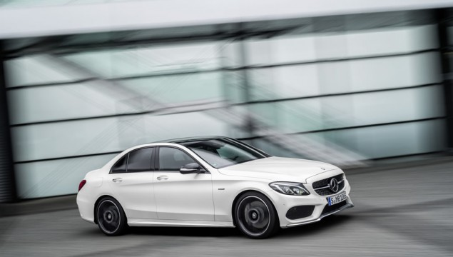Mercedes-Benz C 450 AMG 4MATIC, exterior: diamond white