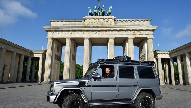 Mike Horn Goes Cross-Country in a Parade of Mercedes-Benz G-Wagons