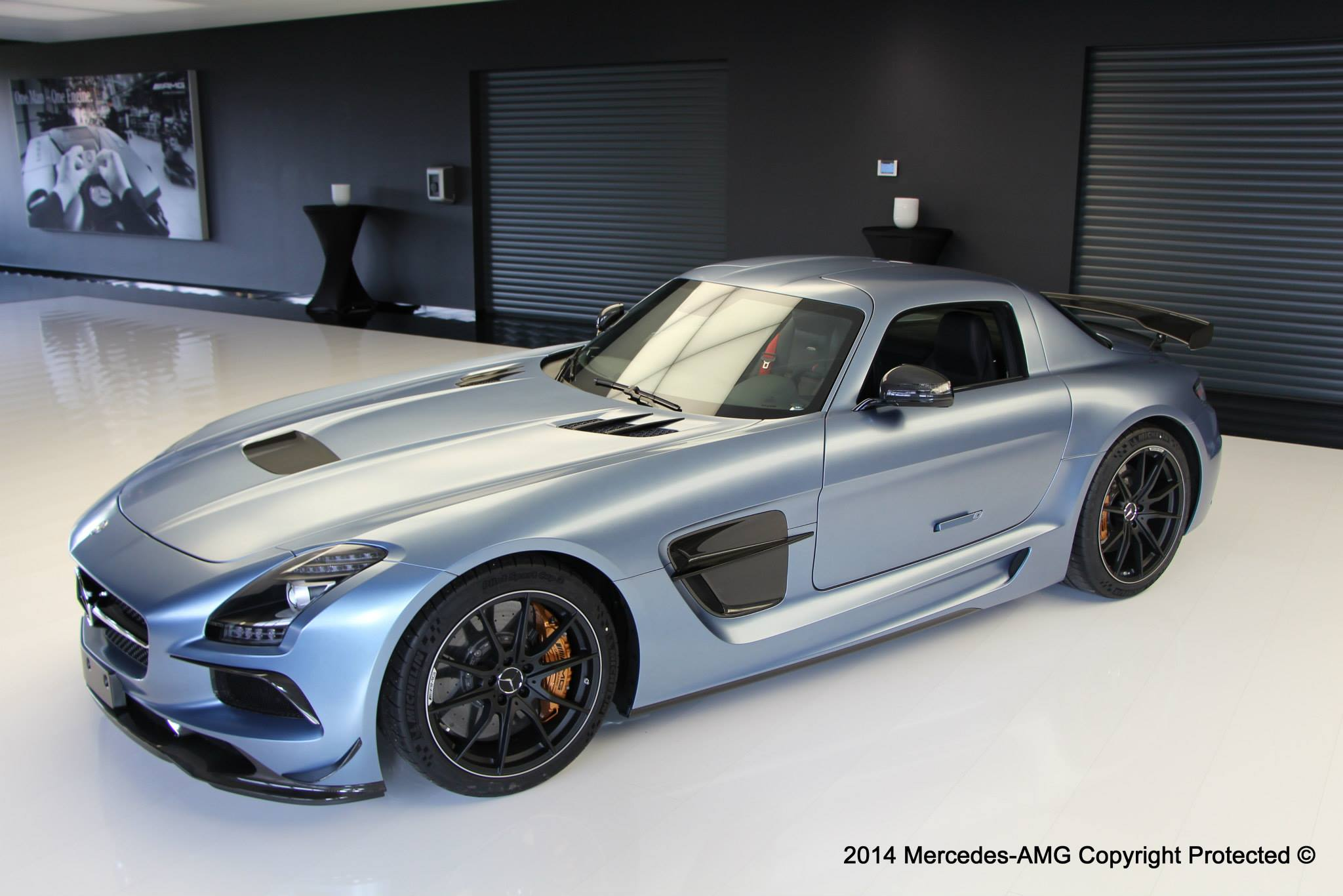 Mercedes SLS AMG Black Series in Yosemite Blue