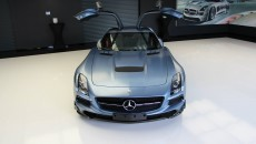 Mercedes SLS AMG Black Series in Yosemite Blue hood