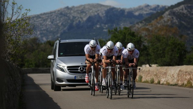 Mercedes-Benz Supports Triathletes